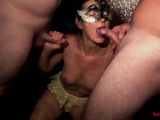 TuttiFrutti - Sexy matures on swinger orgy