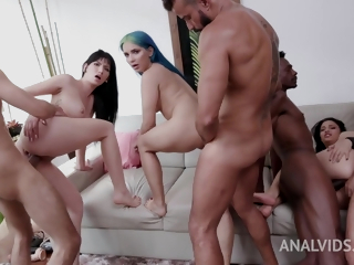 Six Massive Dicks Destroying The Buttholes Of Latina - Vinny Star, Min Galilea And Lia Ponce